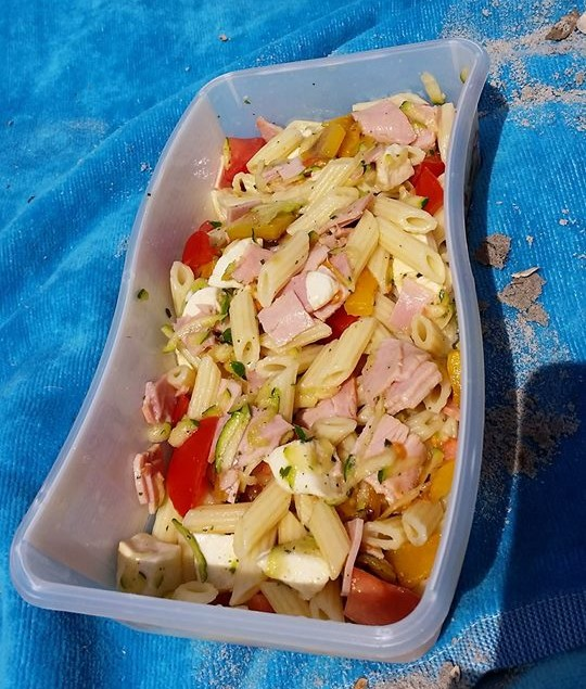 Salade de p tes au jambon et a la mozzarella di t tique - Salade de pates jambon ...